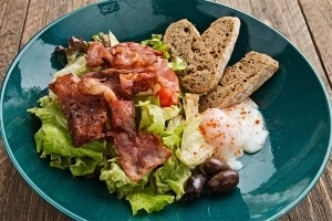 Салати - Салата с поширано яйце